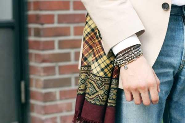 nhung-meo-phoi-voi-ao-quan-jeans-nam-accessories-elle-man-1