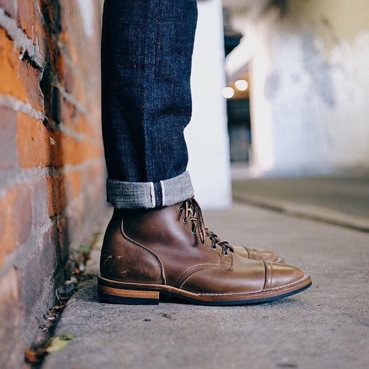 kien-thuc-thoi-trang-nam-phoi-quan-va-giay-jeans-va-boots-elle-man