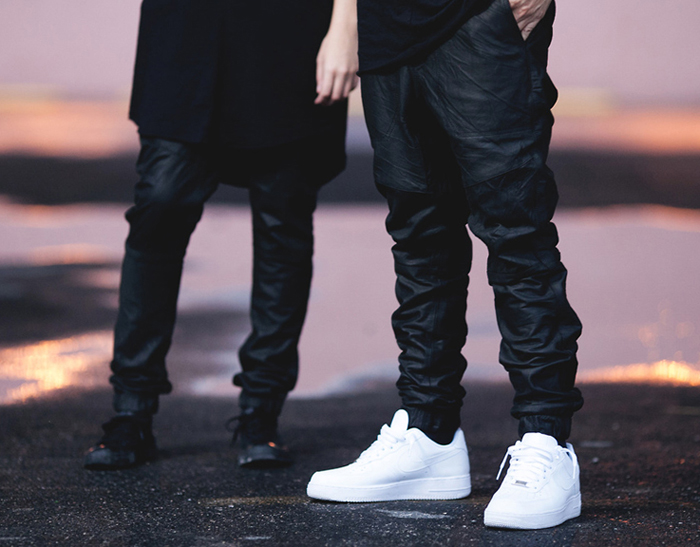 kien-thuc-thoi-trang-nam-phoi-quan-va-giay-jogger-va-sneakers-2-elle-man