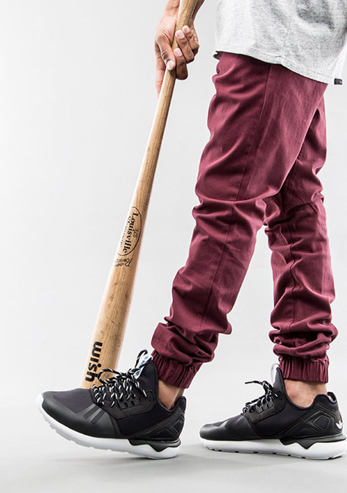kien-thuc-thoi-trang-nam-phoi-quan-va-giay-jogger-va-sneakers-3-elle-man