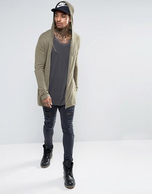 Áo khoác cardigan và skinny jeans.