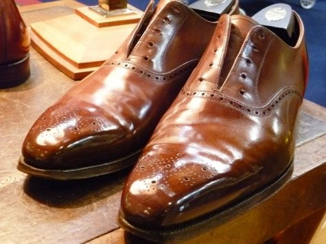 Bảo quản giày da: Bí quyết đánh cho giày cũ cũng phải mới