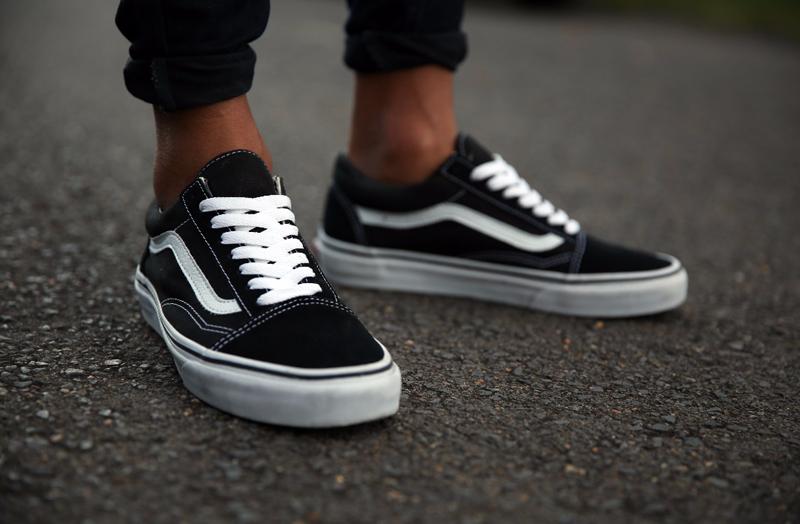 Giày sneaker nam Vans Old Skool.