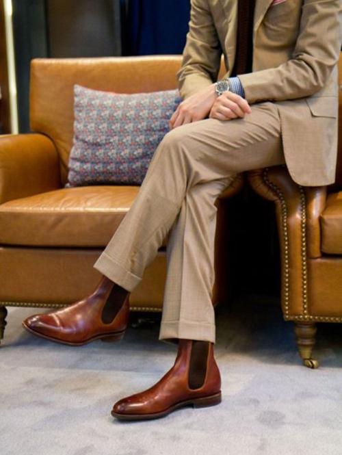 Kiểu giày nam Thu-Đông 2016: đồ suits và Chelsea boots.