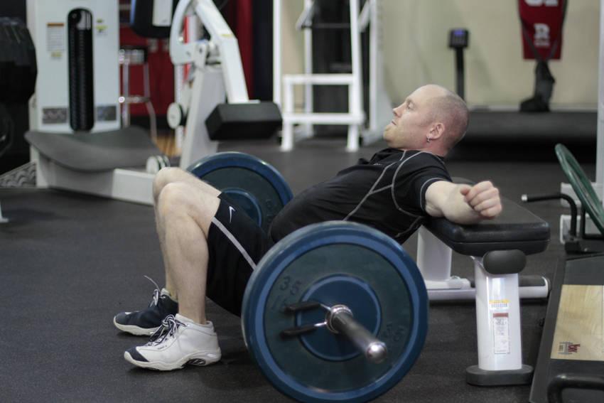 bài tập gym Barbell Hip Thrust