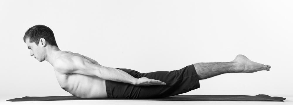 Tập thể dục có giúp tăng chiều cao: Salabhasana