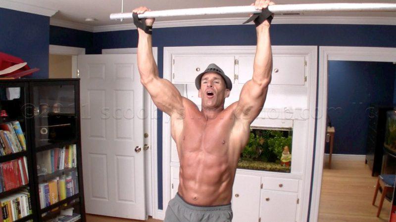 Tập thể dục có giúp tăng chiều cao: hít xà