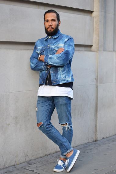 Quần Jeans rách đang là xu hướng mới trong làng thời trang năm nay