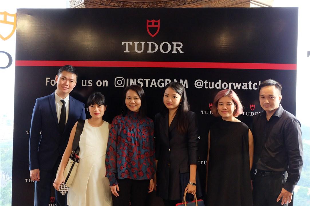 đồng hồ Tudor: đại diện các báo thời trang.