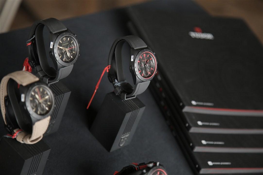 đồng hồ Tudor.