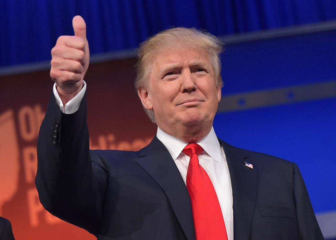 ứng cử viên tổng thống Hoa Kỳ: Donald Trump hùng biện.