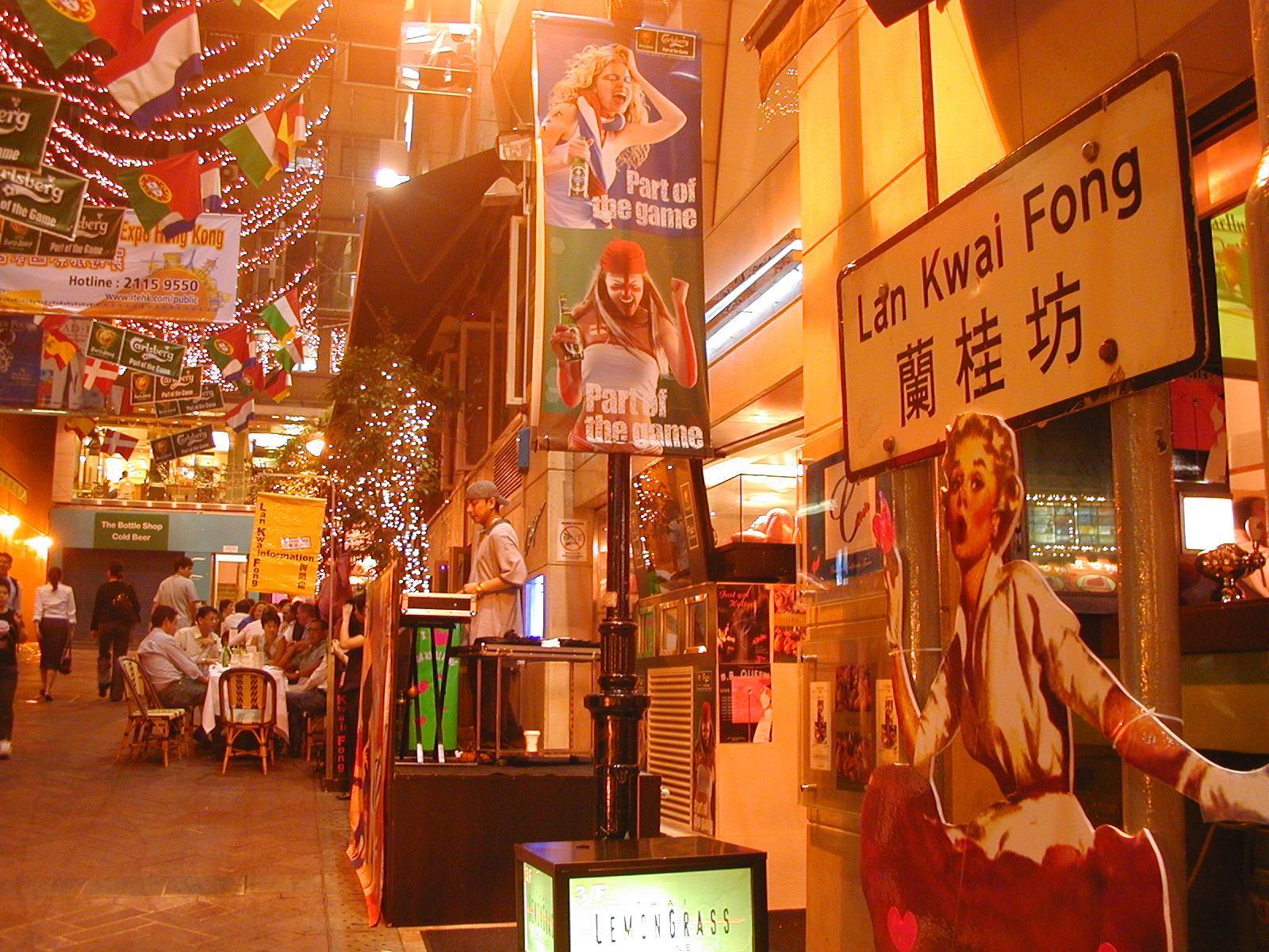 địa điểm du lịch cuối năm: Lan Kwai Fong.