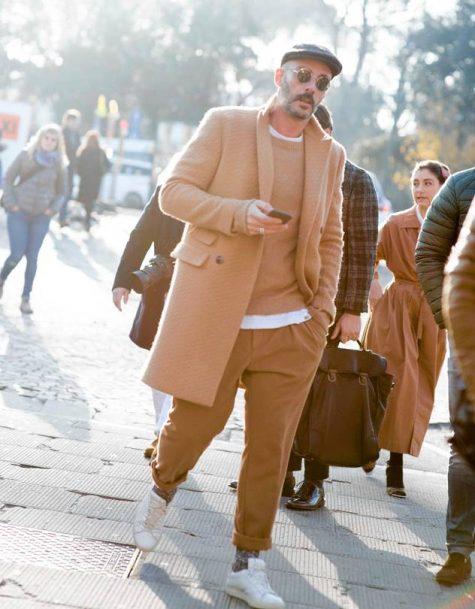 Quần kaki nam, item không bao giờ lỗi mốt: Áo khoác măng tô nam.