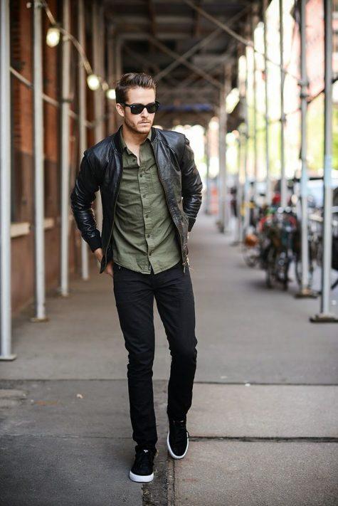 Áo khoác da và quần Jeans nam đen cho ngày trở gió