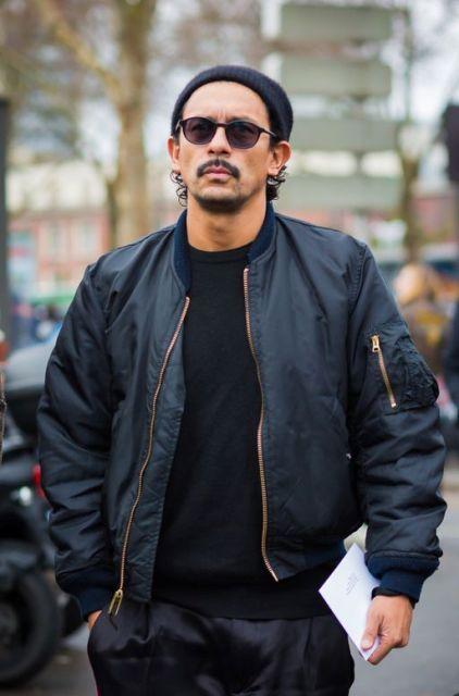 Thoải mái dạo phố cùng áo khoác nam Bomber Jacket với màu đen cá tính