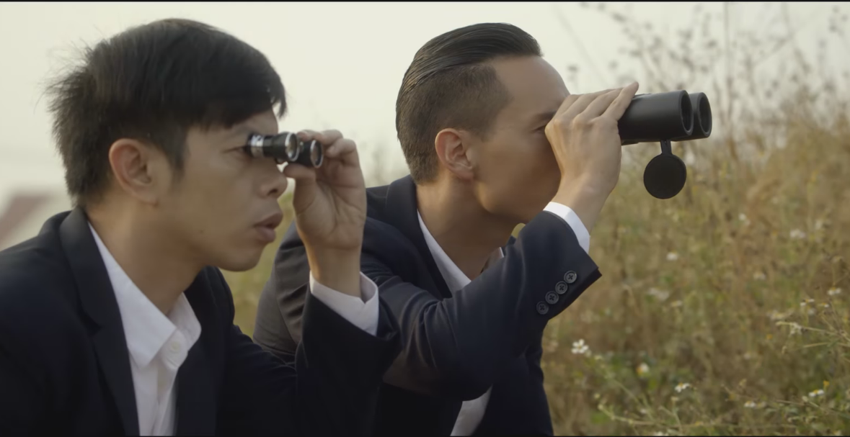 Kim Lý và Thái Hòa trong Vệ Sĩ Sài Gòn - elle man