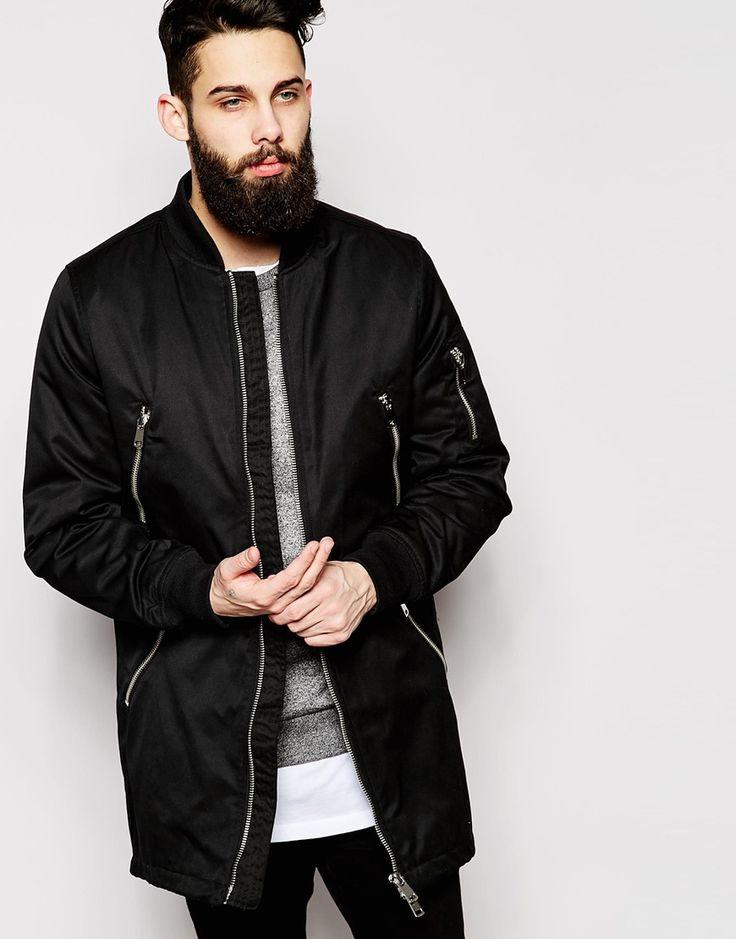 Chiếc áo khoác Bomber dáng dài sẽ là cứu tinh cho những anh chàng có vóc dáng gầy guộc và sở hữu chiều cao khủng bố