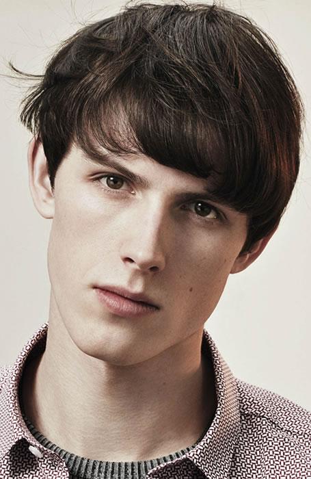 Kiểu tóc nam đẹp Messy Fringe phù hợp với nhiều khuôn mặt và rất tự nhiên