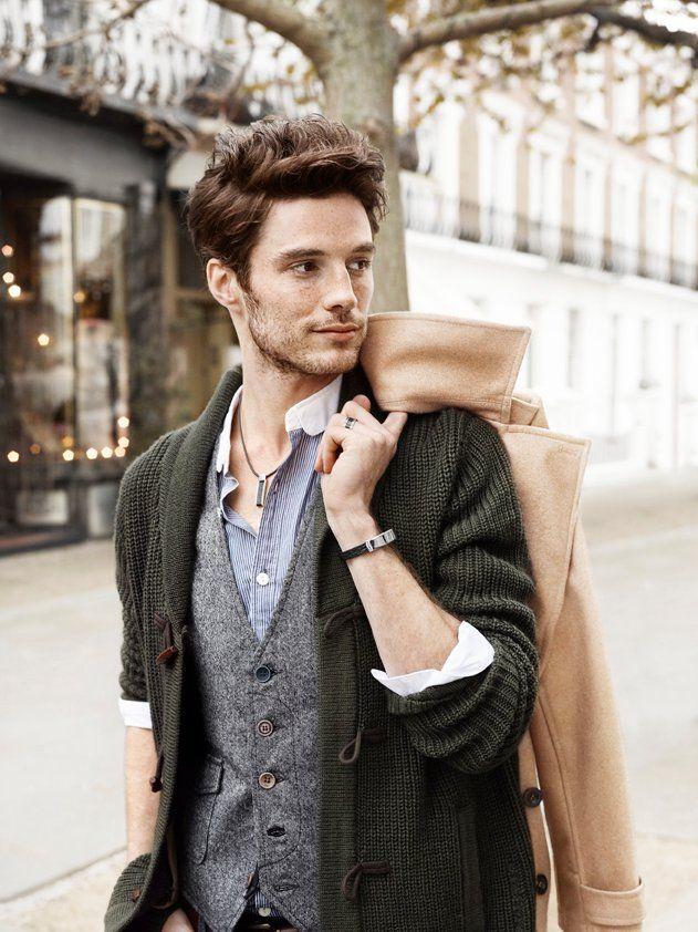Phong cách thời trang Layering với áo khoác Cardigan ngoài áo Gile