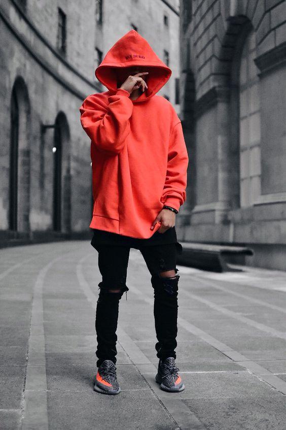 Tại sao bạn không thử làm mới bản thân cùng chiếc áo khoác Hoodie đỏ nổi bật như này