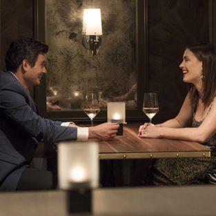 6 dấu hiệu nàng thích bạn khi hẹn hò ở một nhà hàng