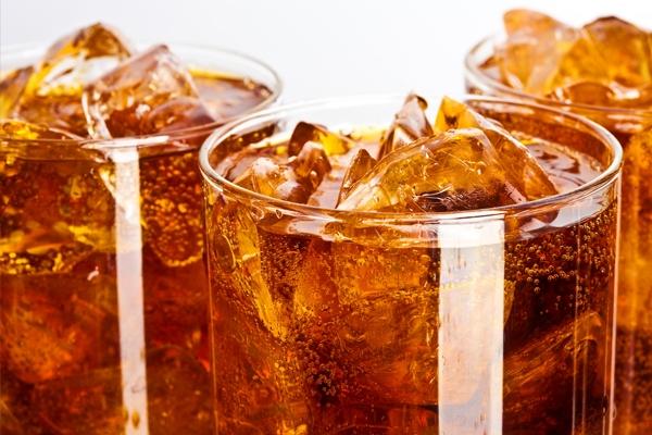 Đồ uống có ga luôn là kẻ thù không đội trời chung nếu bạn muốn sở hữu cơ bụng 6 múi