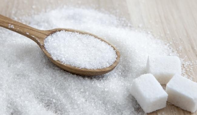 Việc ăn nhiều đường sẽ làm bạn nhanh ngấy và chán ăn cũng như ảnh hưởng đến hiệu suất luyện tập cơ bụng 6 múi