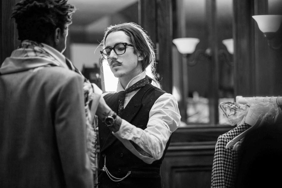 nhà thiết kế thời trang - Joshua Kane - elle man