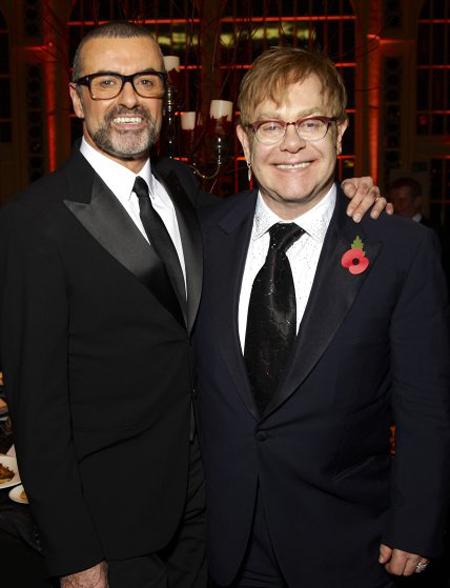 Tham dự buổi biểu diễn gây quỹ cho tổ chức chữa trị bệnh AIDS của Elton John tại London (06/11/2011)