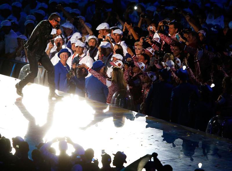 Biểu diễn tại buổi lễ Bế mạc của Thế vận hội London 2012 tại sân vận động Olympic, London (12/08/2012).