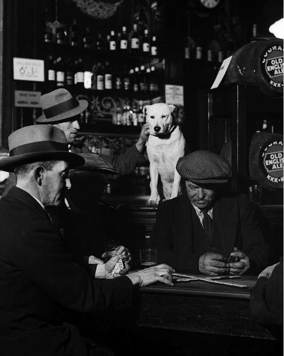 đ bar - các trò giải trí trong bar thời kỳ đầu - elle man