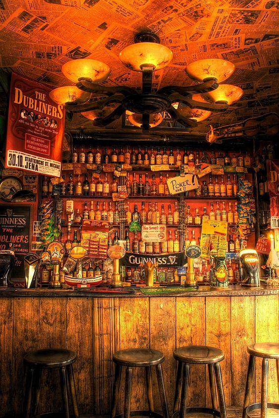 đi bar - Ghế dùng cho khách quanh quầy bar - elle man