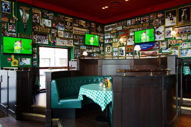 đi bar - Sport Bar O'learys - elle man