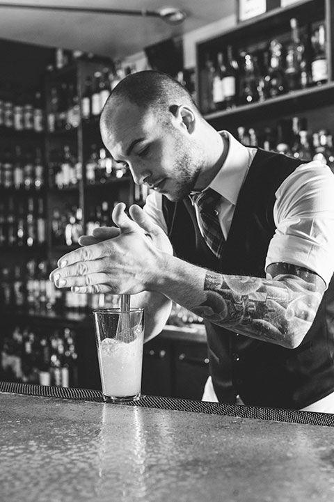 đi bar - bartender - elle man