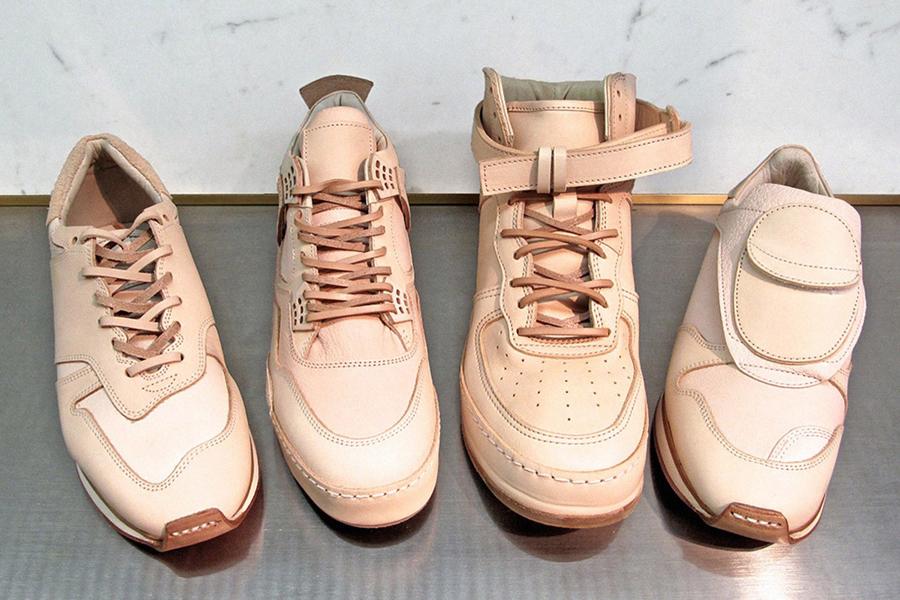 xu hướng thời trang - natural leahter sneakers - elle man