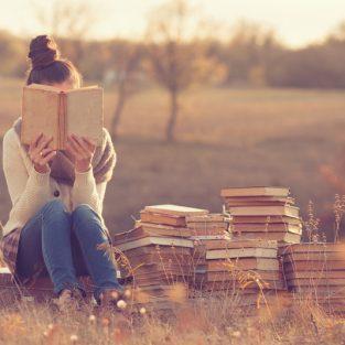 Chuyện hẹn hò: Yêu một cô nàng mọt sách