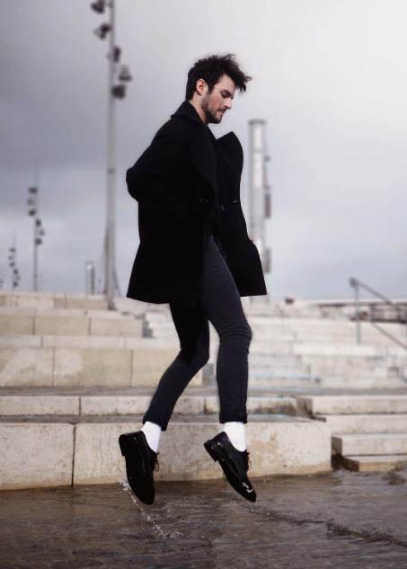 Lý do vì sao quý ông sành điệu không nên mang tất trắng : Cách phối đồ
