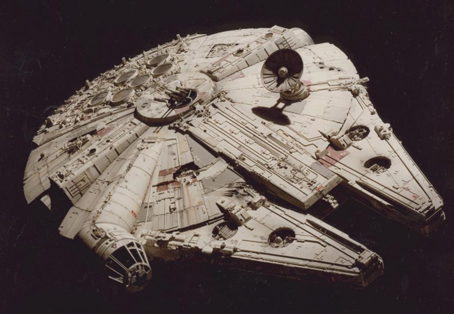 Chiếc Millennium Falcon huyền thoại.