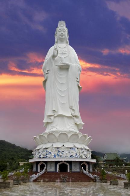 tượng phật khổng lồ, Tượng Phật Quan Thế Âm cao 67 m - elle man 4