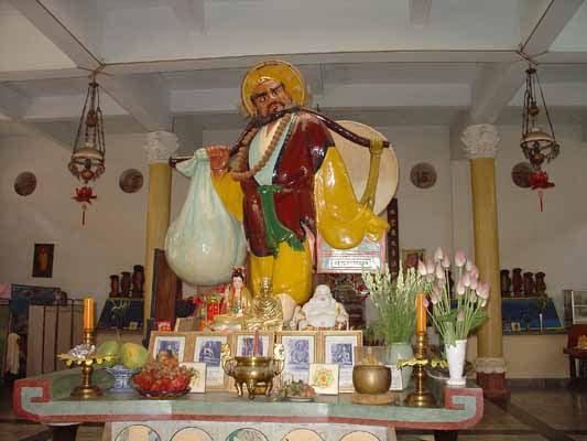 tượng phật khổng lồ, Tượng Đạt Ma Sư Tổ tết bằng tóc - elle man 8