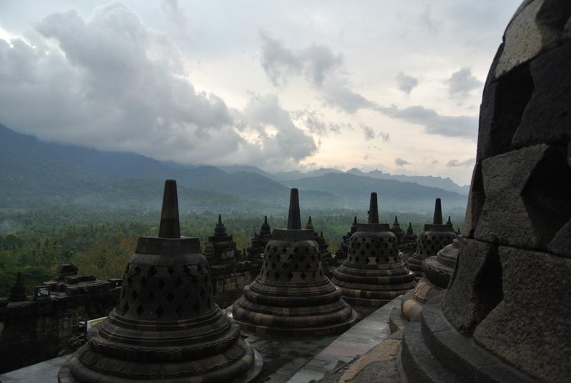 du lịch châu Á - Indonesia Borobudur 1 - elle man
