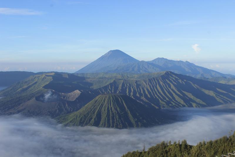 du lịch châu Á - Indonesia Bromo 2 - elle man