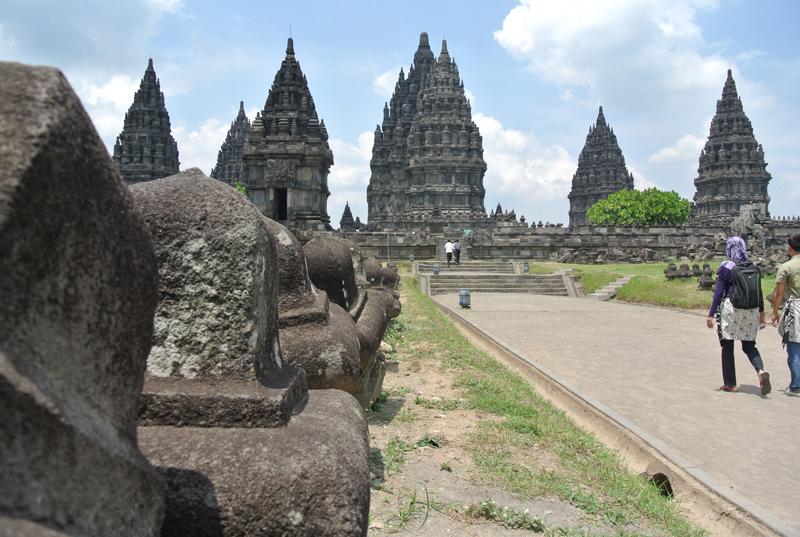 du lịch châu Á - Indonesia Prambanan 1 - elle man
