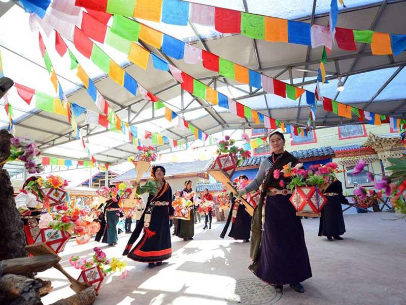 du lịch châu Á - bhutan losar - elle man 3