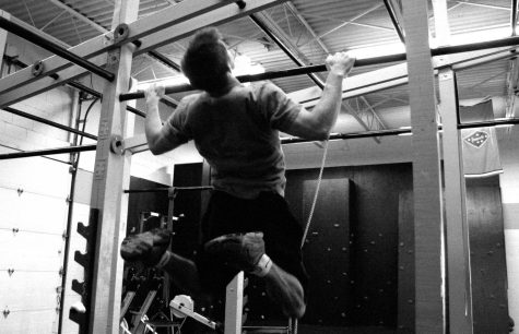 6 bài tập thể dục hỗ trợ hít xà đơn