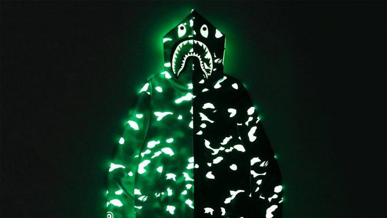 Thương hiệu BAPE ra mắt Shark Hoodie phát sáng trong đêm