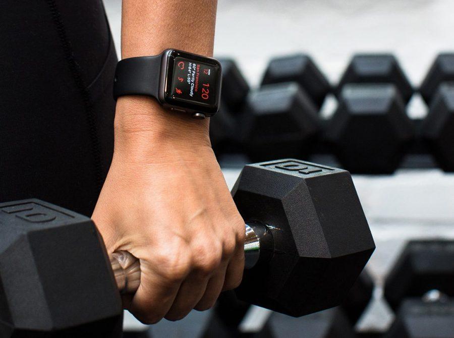 đi tập gym - smart watch - elle man