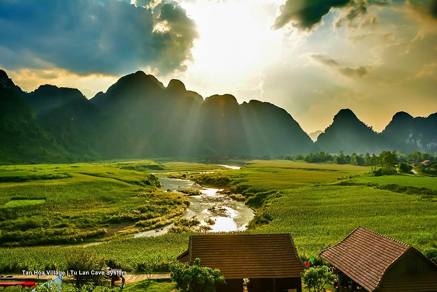 Kong Dao Dau Lau - Quang Binh Tan Hoa village - elle man 21