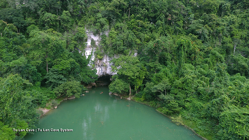 Kong-Dao-Dau-Lau-Quang-Binh-Tu-Lan-Cave-elle-man-33