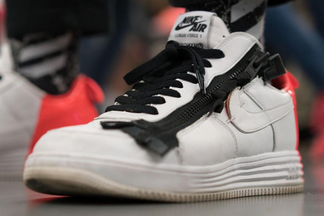 Soi dàn sneaker tại Sneaker Con Cleveland 2017 lớn nhất nước Mỹ